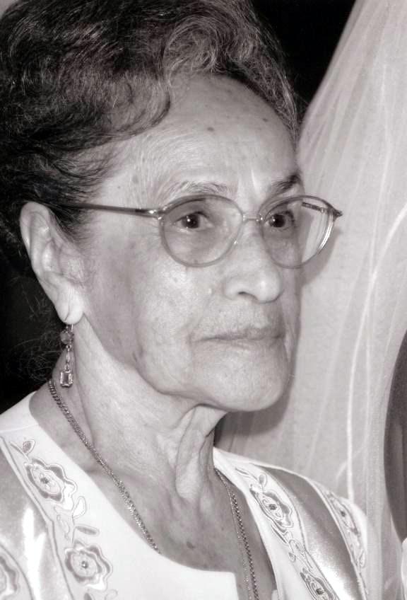 Angela  Barillas