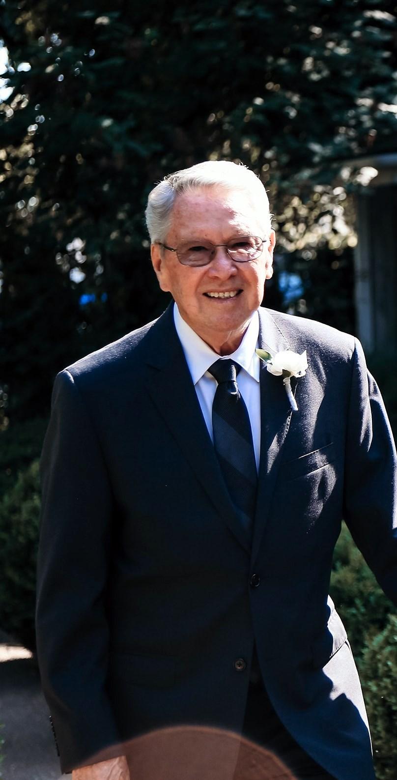 Donald Eugene  Higgins