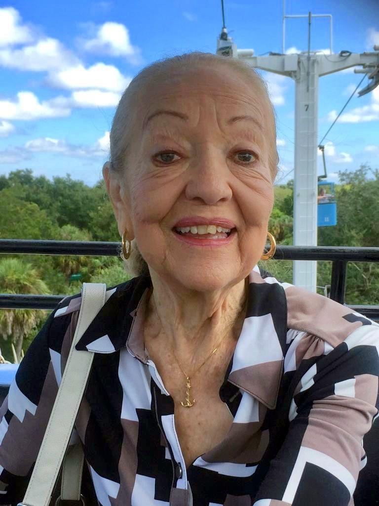 Carmen  González De Jesús