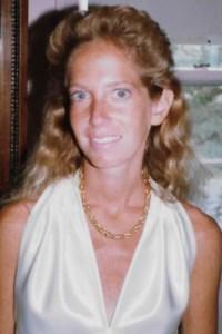 Lori  Comer