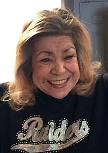 Erma Della  Perez