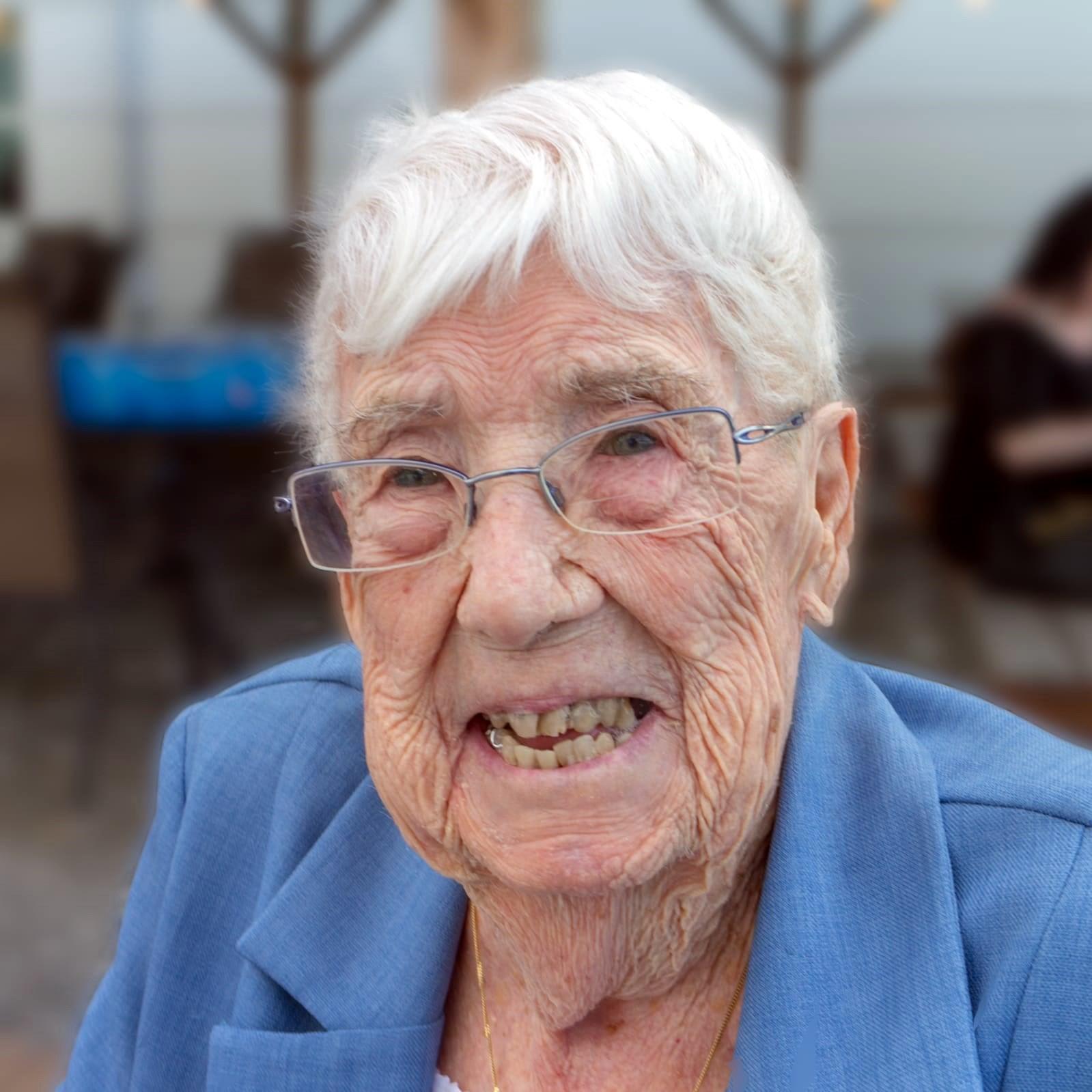 Yvette  Carriere