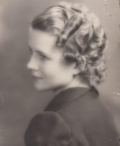 Mary E.  Helmhout