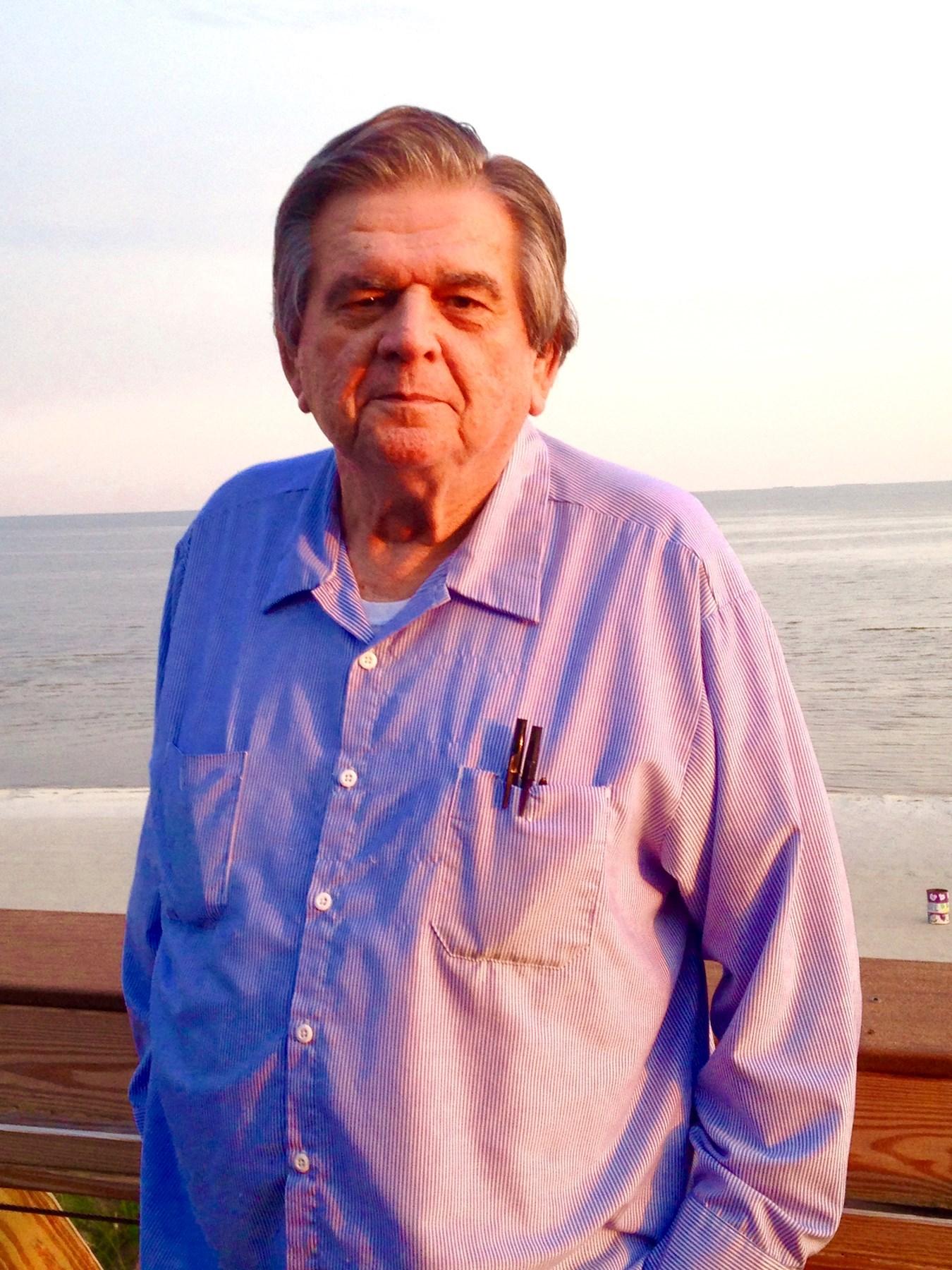 Donald E.  Lincoln Sr.