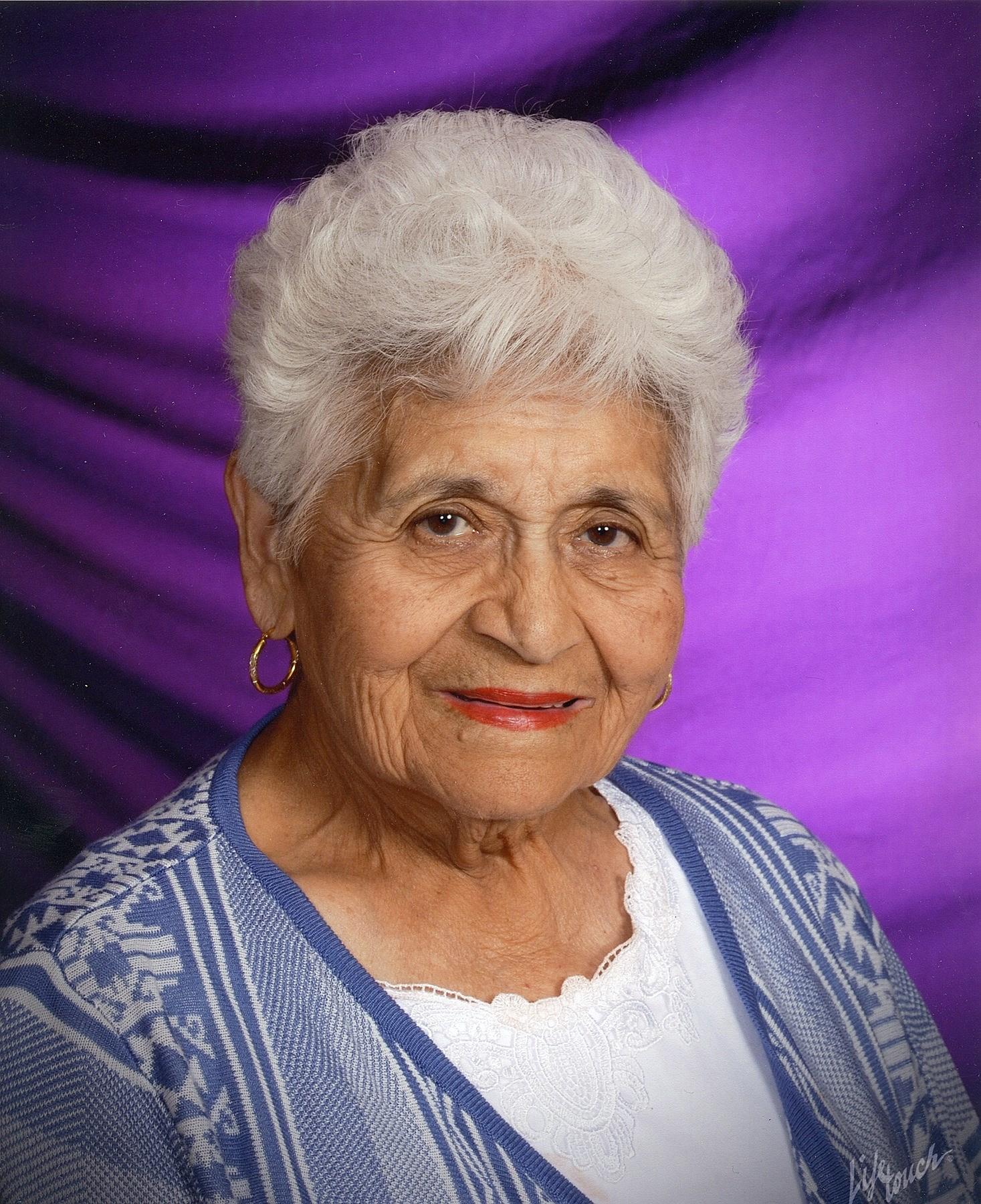 Hortencia R.  Diaz