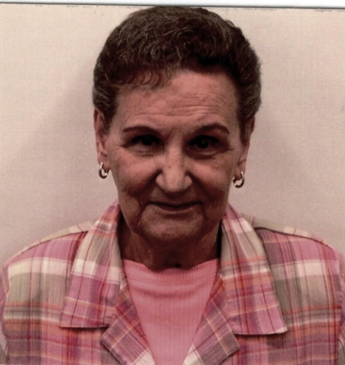 Loretta  Kynas