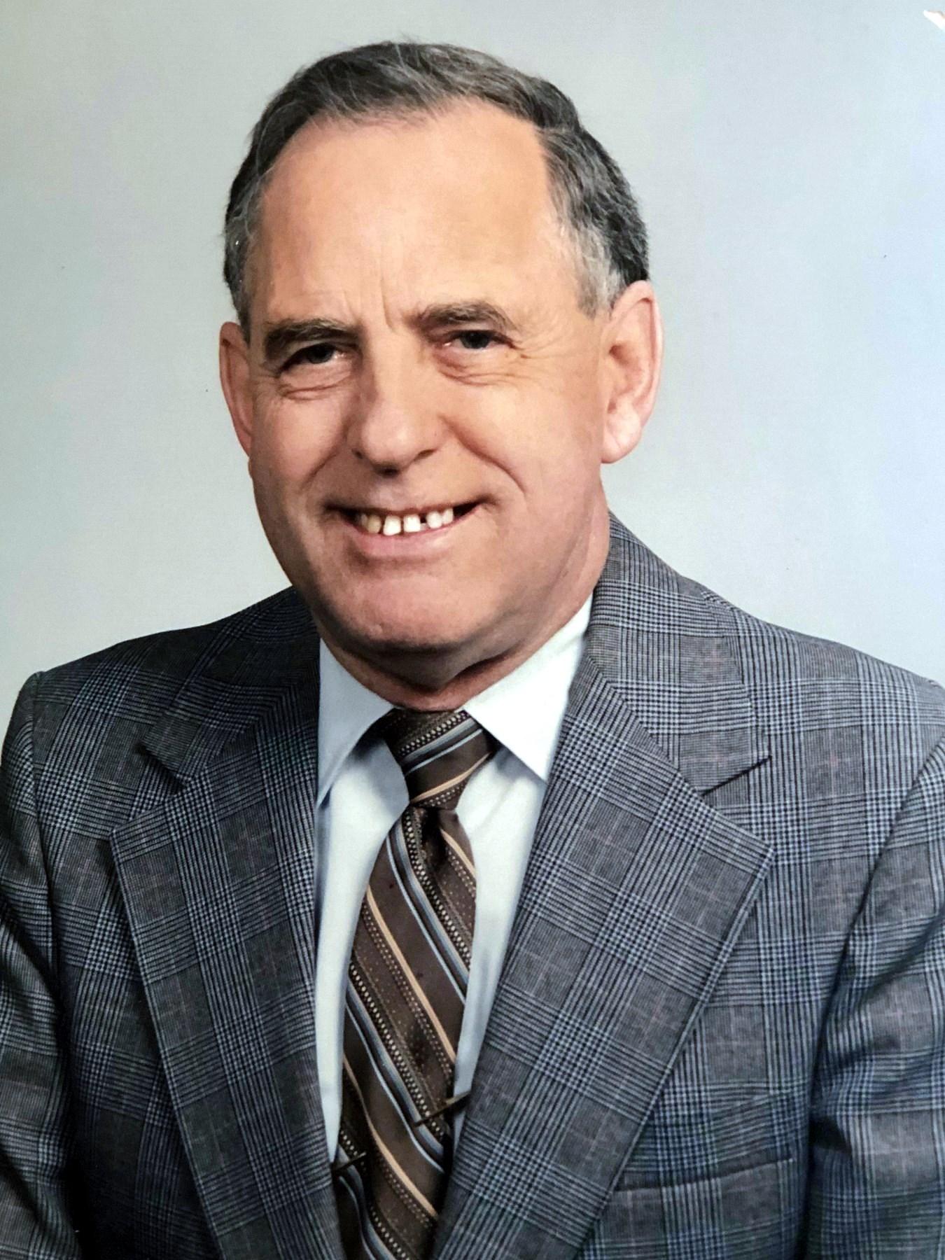 Mr. Herbert Jennings  Walker