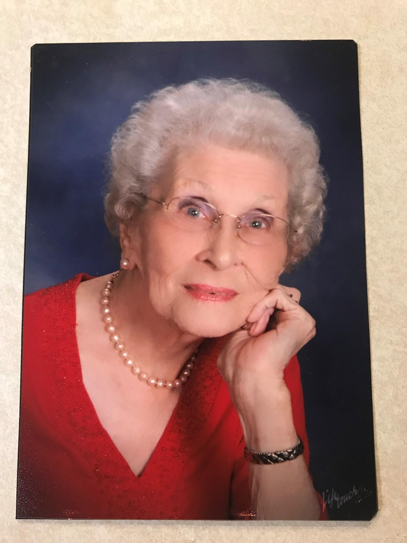 Gloria Mae  Lorenzana