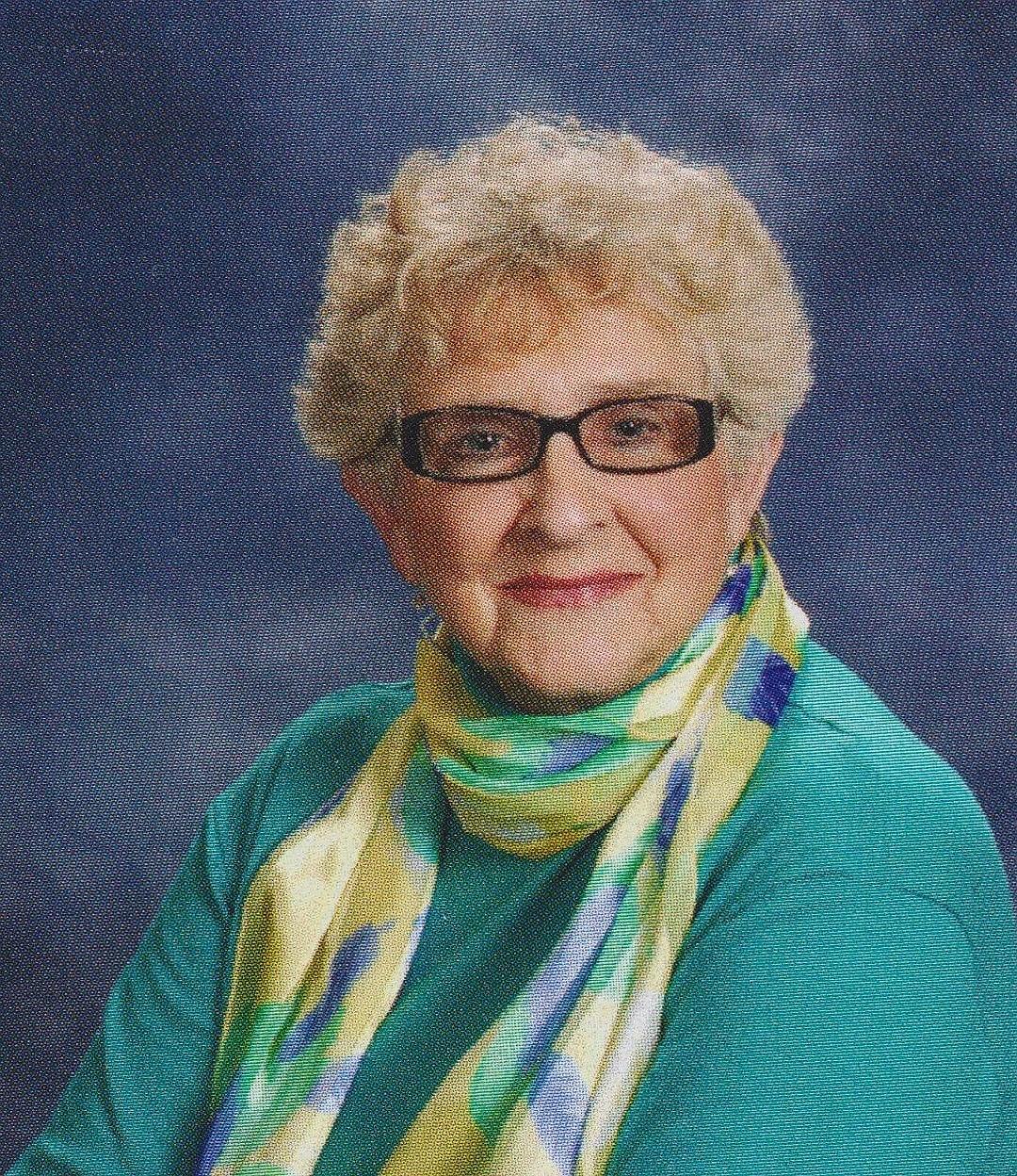 Carole Carl  Newcomb