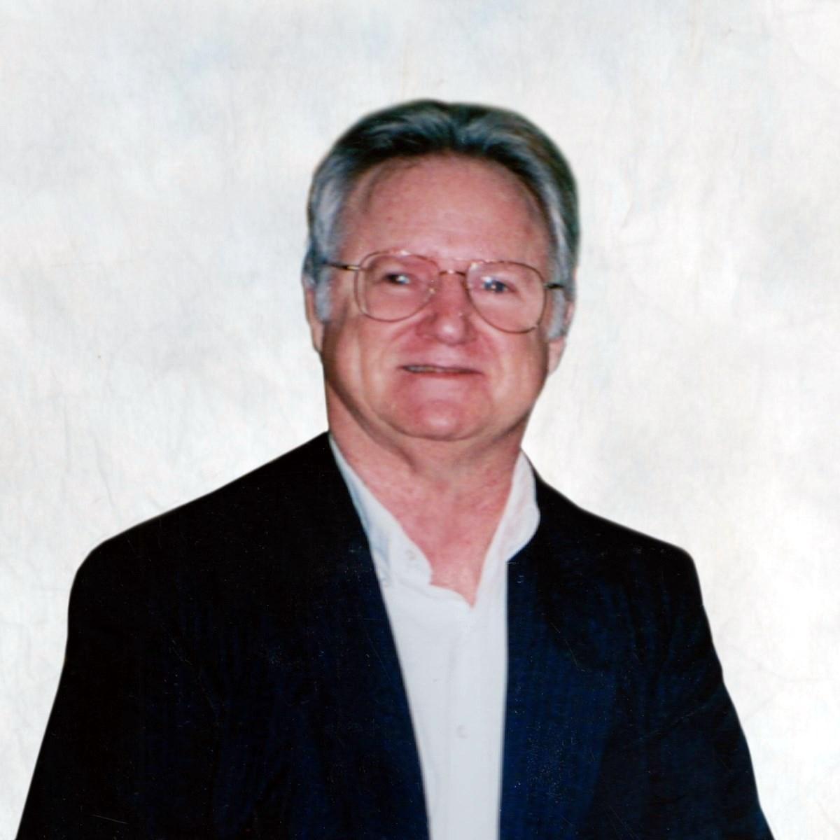 Larry E.  Ulmer