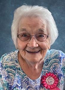 Annie Maude  Peterson