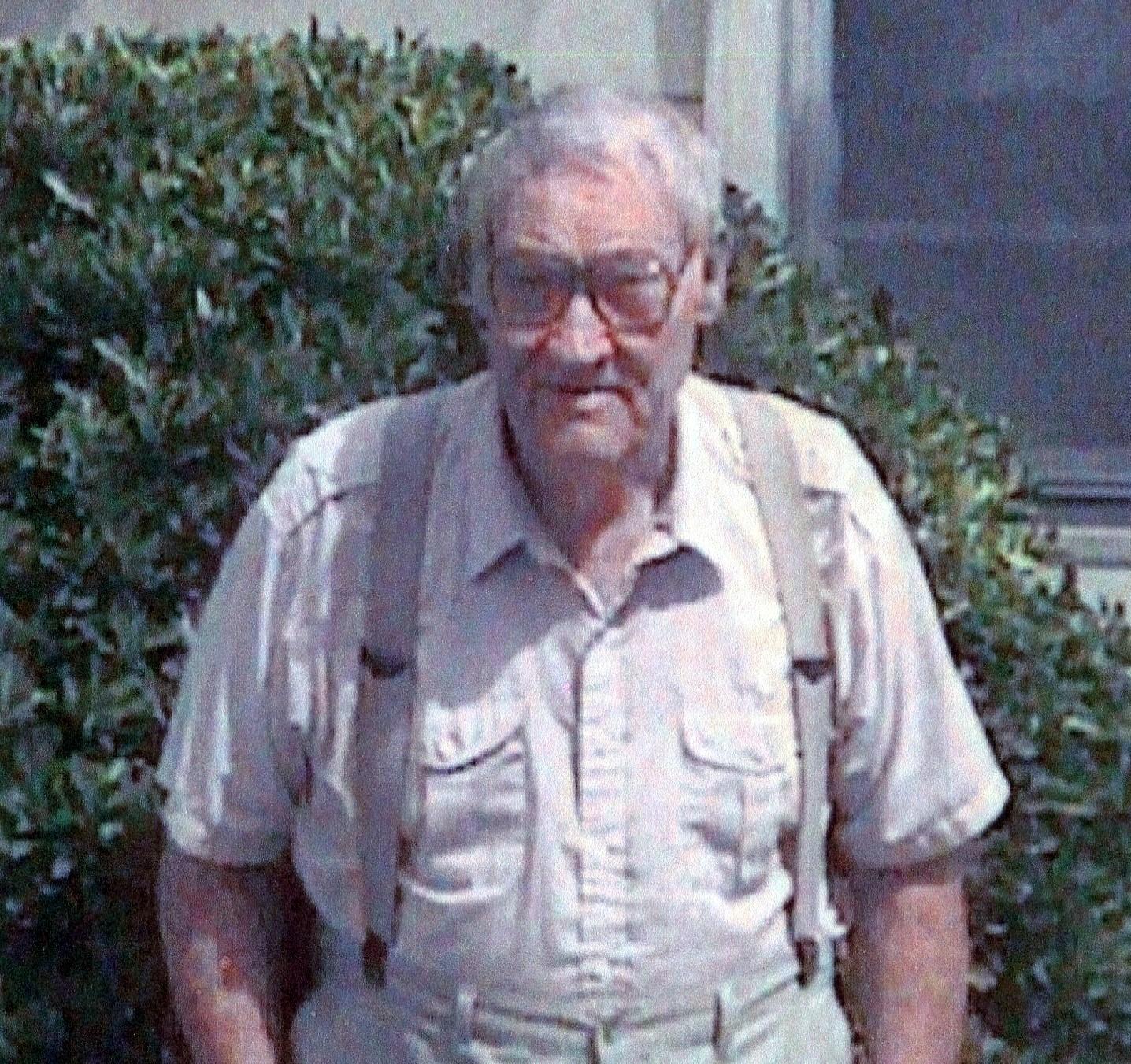 Euell Dwayne  Hickam