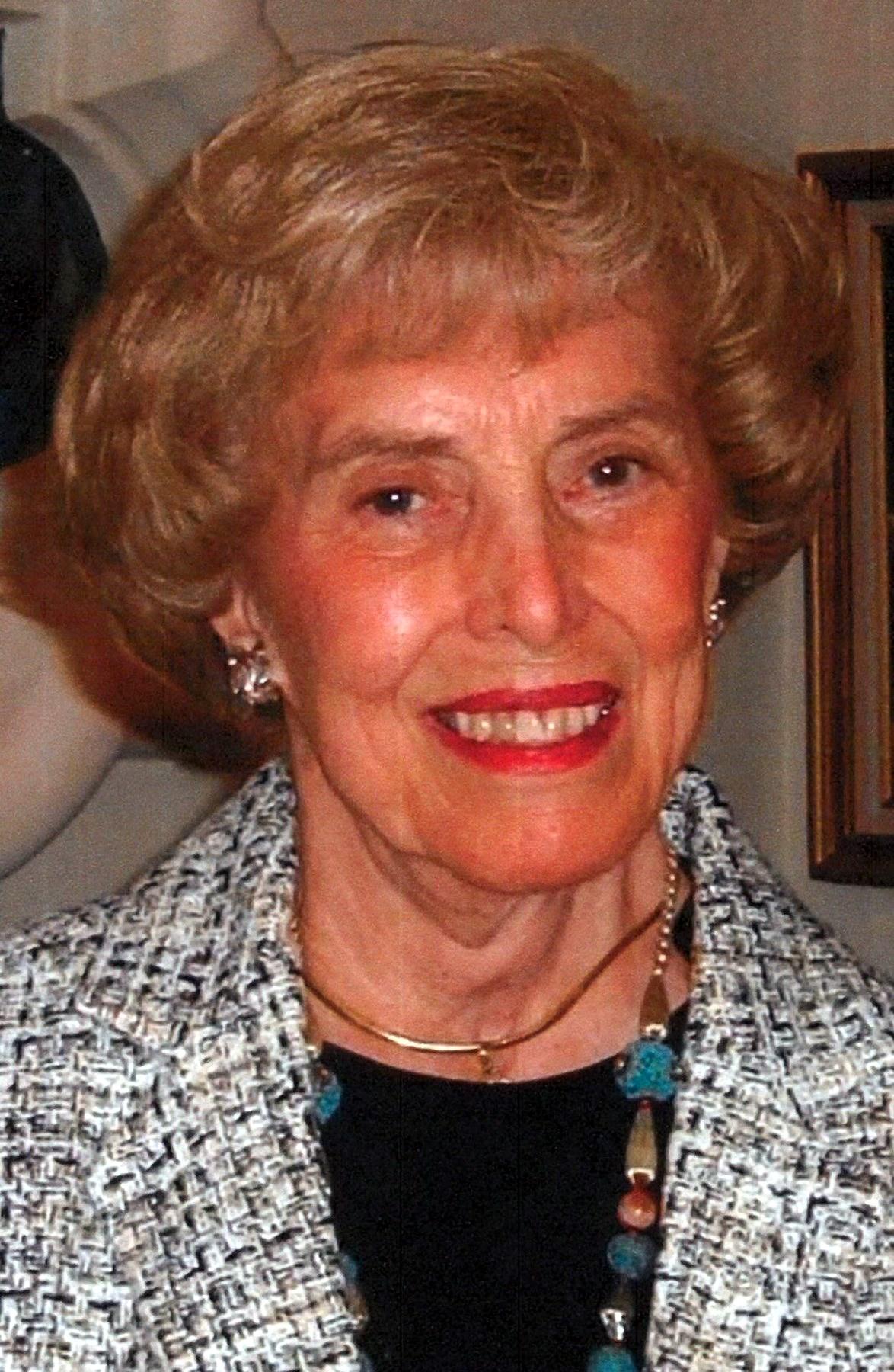 Sonia Elizabeth  Hogan