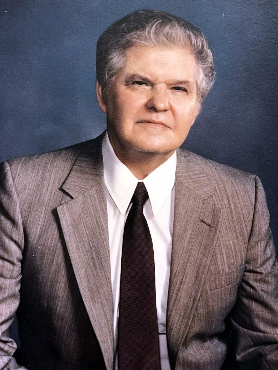 Lawrence Donald  Porter