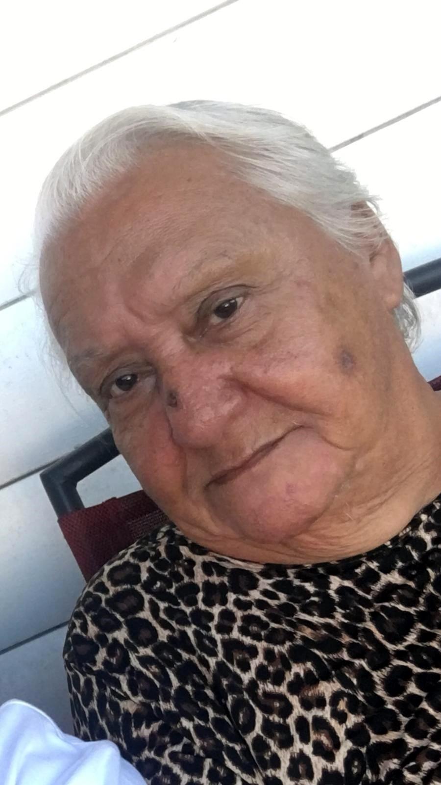 María Esther  Colón Hernández