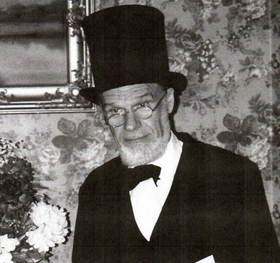 Richard Eugene  Swanson