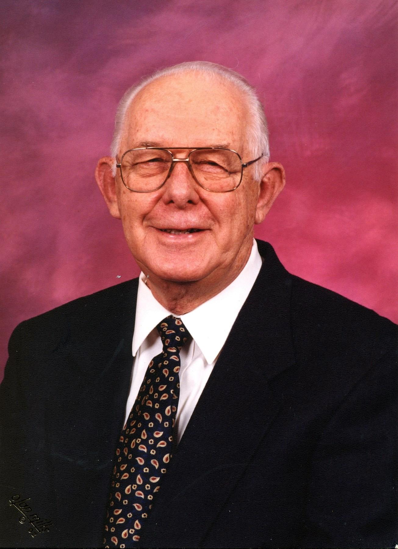 Paul W.  Yetter Jr.