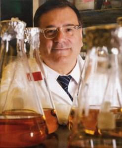 Dr. Julián  Gómez Cambronero