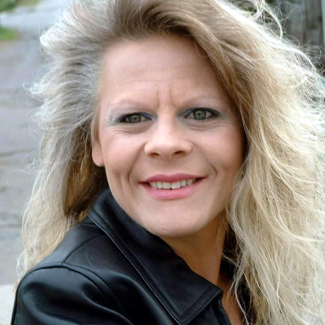 Vicki Jo  Reichert
