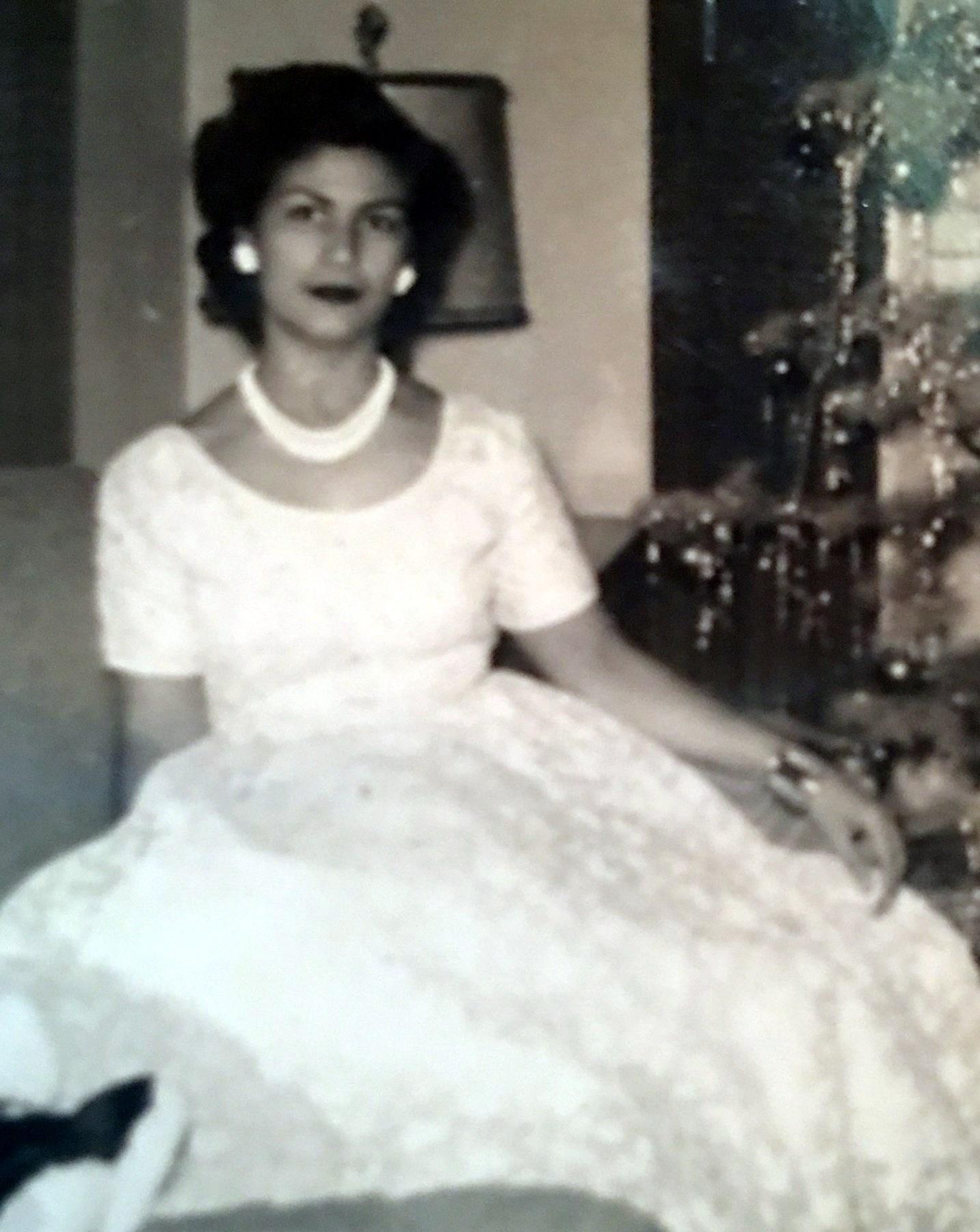 Mary Cruz  Lazcano