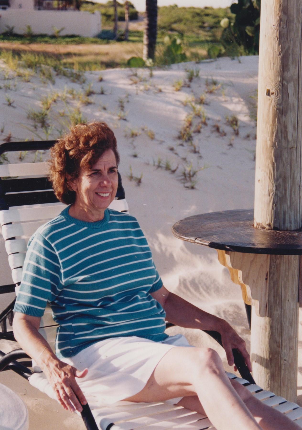Iris Estes Johnson Obituary - New Braunfels, TX