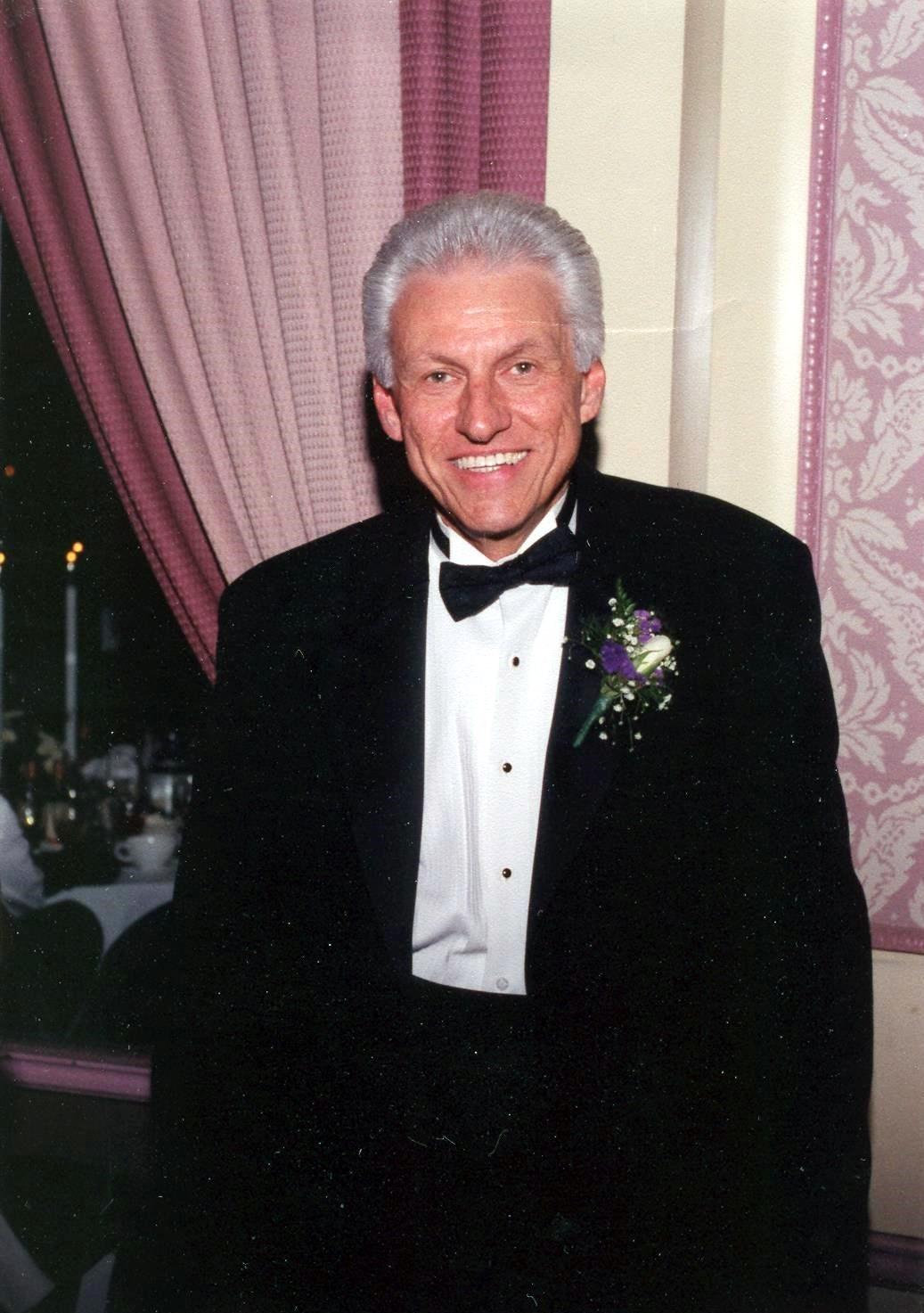 Thomas Francis  Castello Sr.