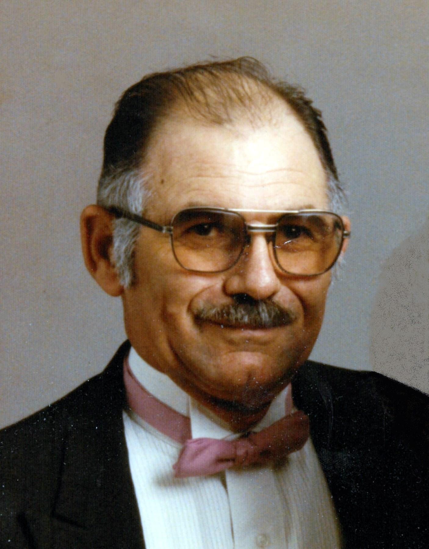 Daniel Carl  Lyons Sr.