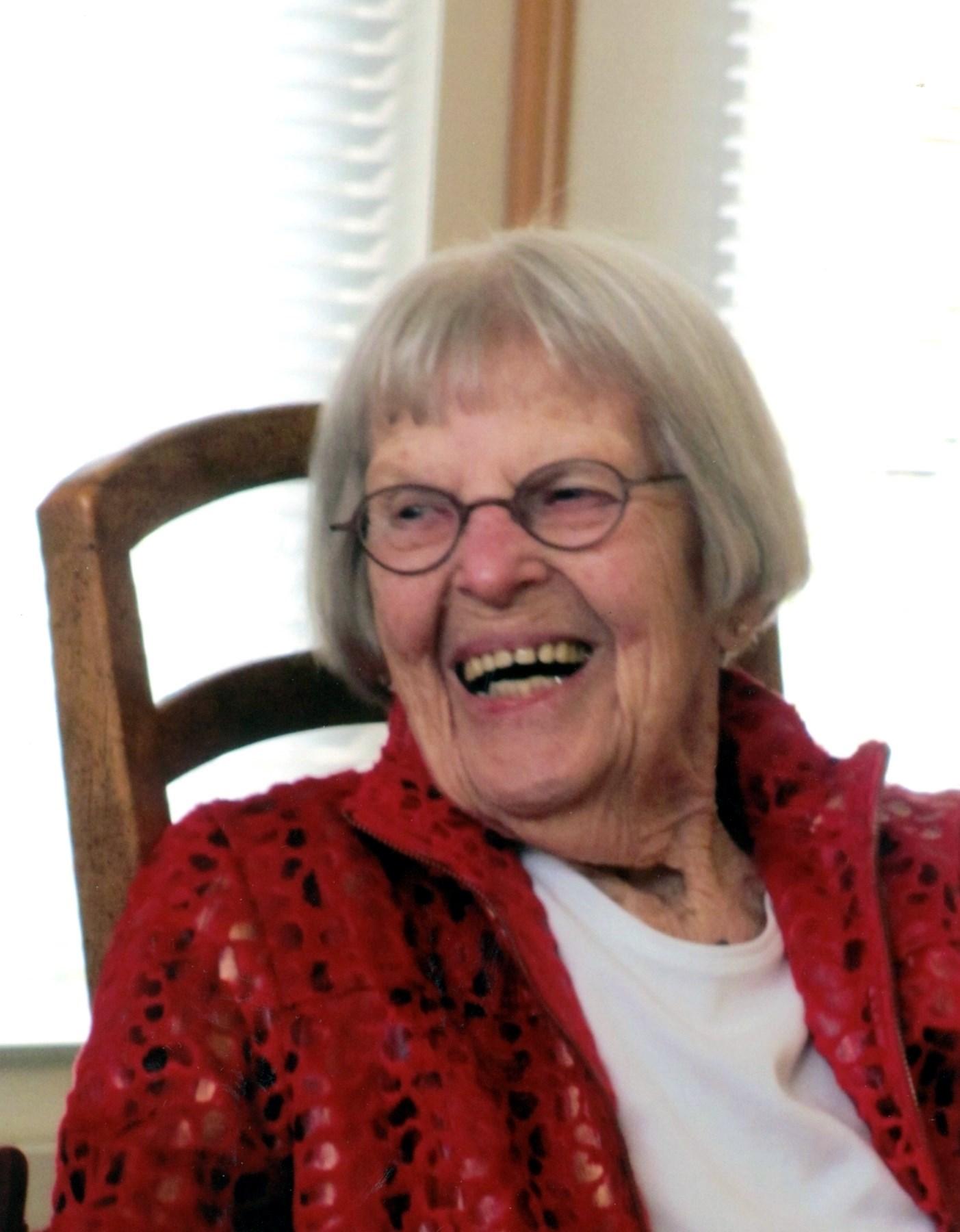 Lois Gudrun  Holm