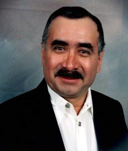 Santiago  Vallejo Flores